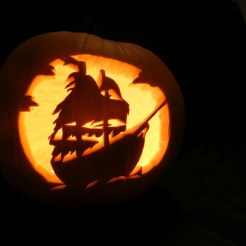 halloween-viking-ship-pumpkin1
