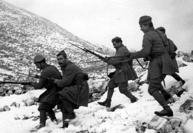 Greek-soldiers-during-the-war-with-Italy