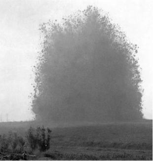 Voladura de una trinchera alemana en el Somme