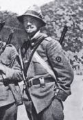 Como teniente de los Alpinos, soldados de montaña (IGM)