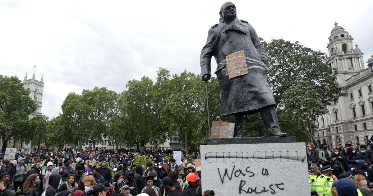 Manifestación contra la estatua de Churchill