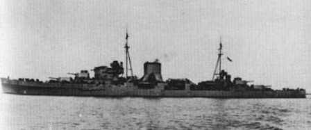 HMS Orión. Tres monstruos como éste más cuatro grandes destructores cañonearon sin éxito al Lupo