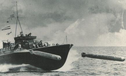 Lancha torpedera en acción