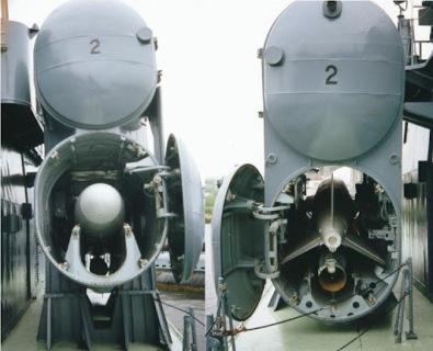 P-15 en contenedor con alas plegadas